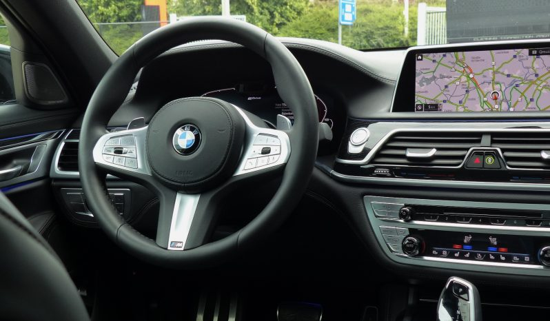 BMW 745 LE xDrive M Sport  BLACK full